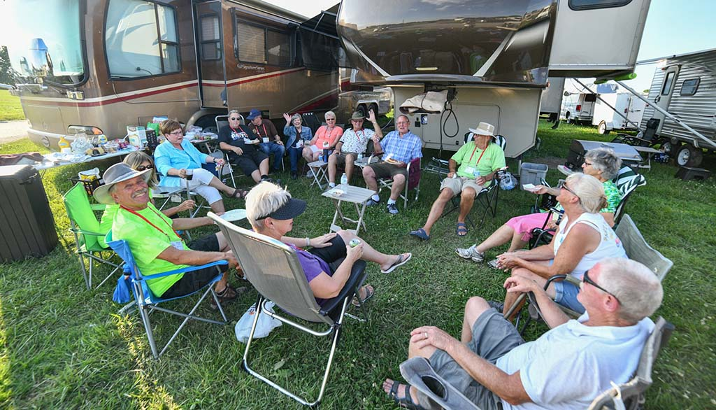 Group of RVers at Escapade RV Rally