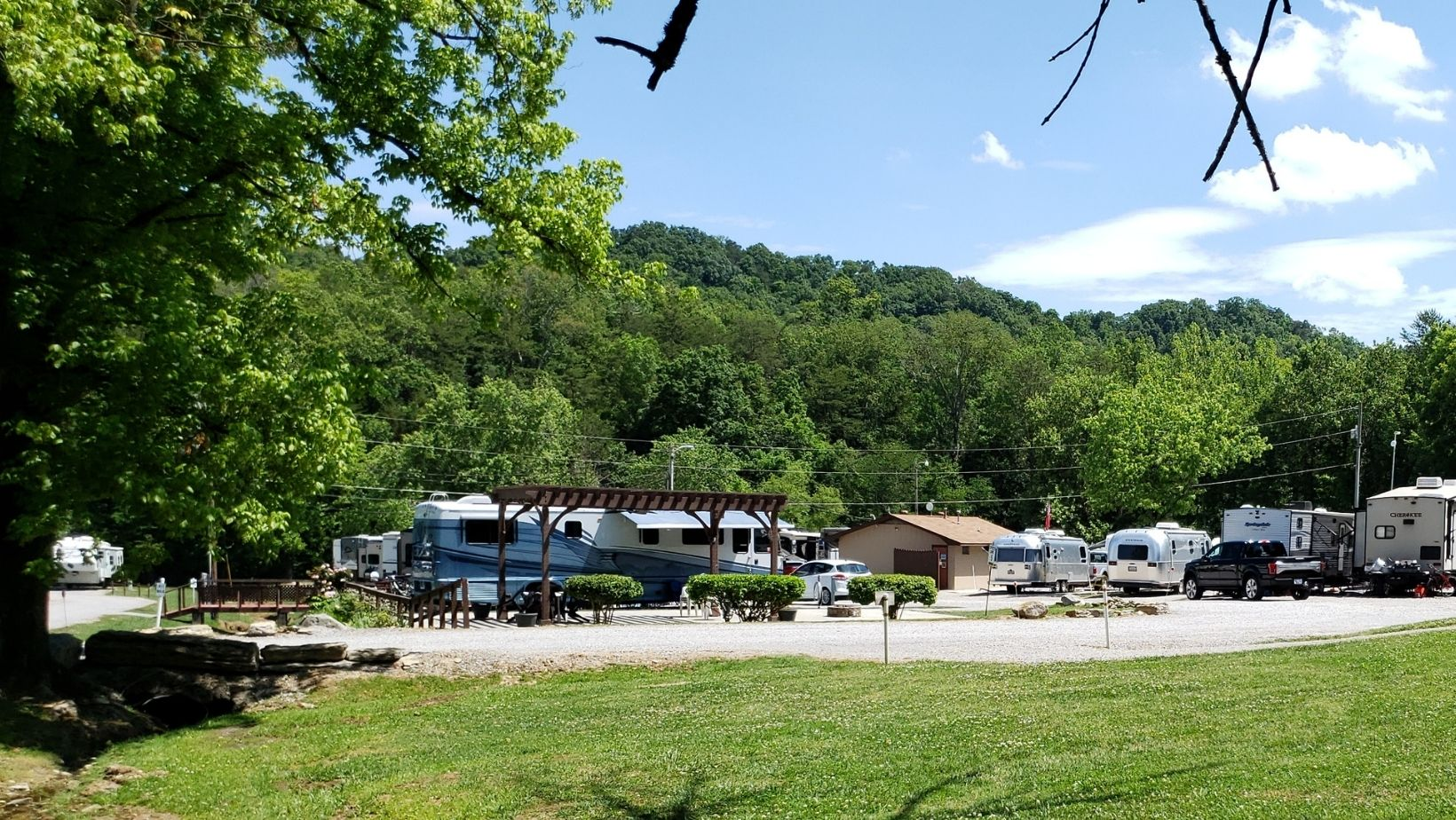 Members can save money at RV parks like Raccoon Valley Escapees RV Park